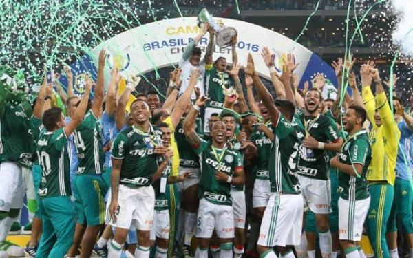 Palmeiras vence Chapecoense e é campeão do Brasileirão 2016