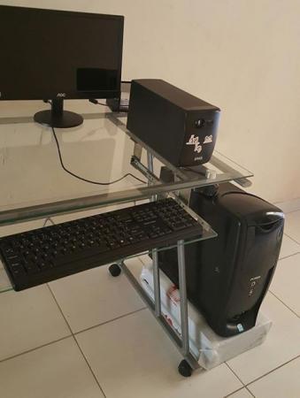 Computador completo, semi novo à venda; Confira: