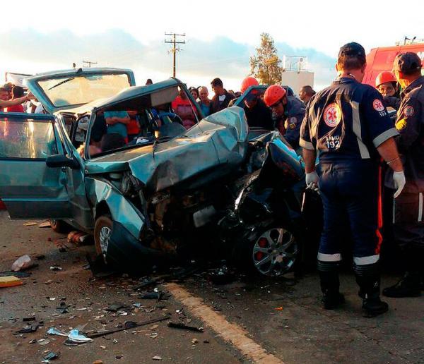 Casal de idosos morre e quatro pessoas ficam feridas em acidente na BR-116