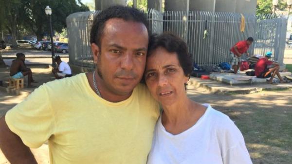 Crise, falência estatal e desemprego levam a explosão no número de moradores de rua no Rio