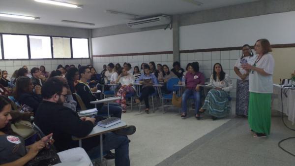 Caravana 'Respeite as Mina' discute rede de proteção à mulher na FTC