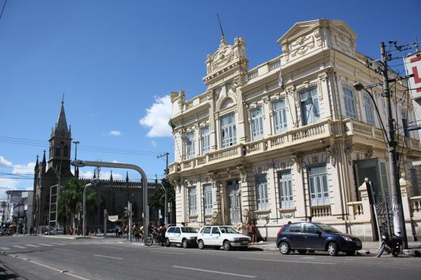 Prefeito de Feira de Santana anuncia concurso público para a Rede Municipal de Ensino