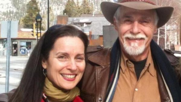 A história da mulher que perdoou e ficou amiga do homem que matou seu pai