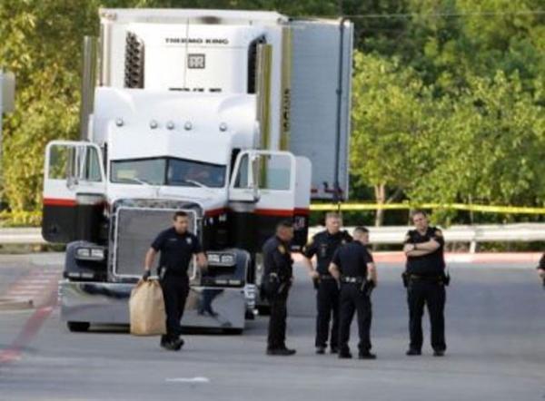 EUA: 8 corpos e 30 feridos são encontrados em caminhão no Texas