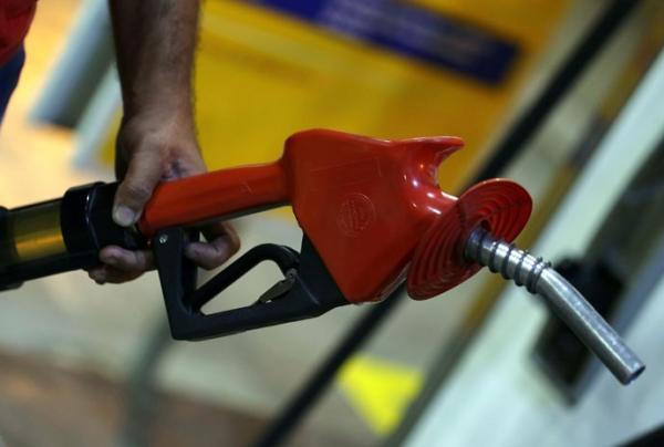 Governo perde R$ 78 milhões por dia sem imposto do combustível