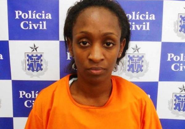 Jovem é presa suspeita de matar o namorado em Salvador; mulher alega defesa