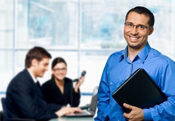 Santo Estevão | Empresa contrata representante comercial