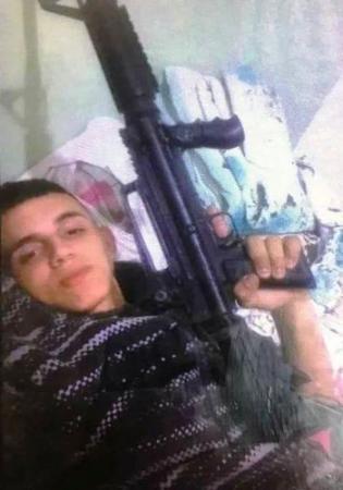 Soldado é preso suspeito de trabalhar com carro roubado no Rio de Janeiro
