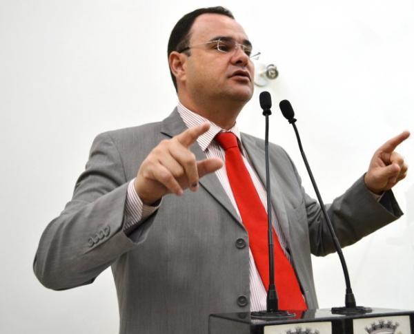 Morre aos 41 anos o vereador Ronny Miranda, presidente da Câmara de Feira de Santana
