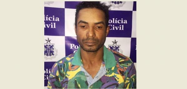 Em Santo Estevão, homem é preso após ir à delegacia pedir informações; ele era procurado pela justiça de São Paulo