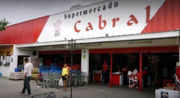 Devido à falta de energia na Praça Sete, o Supermercado Cabral não abrirá neste domingo (24)
