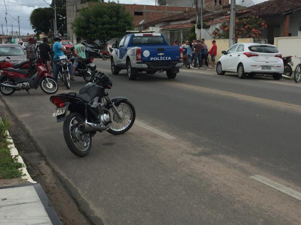 Empresário comete suicídio em Santo Estevão