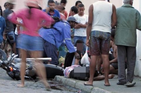 Duas pessoas ficam feridas em acidente de moto na Urbis, em Santo Estevão