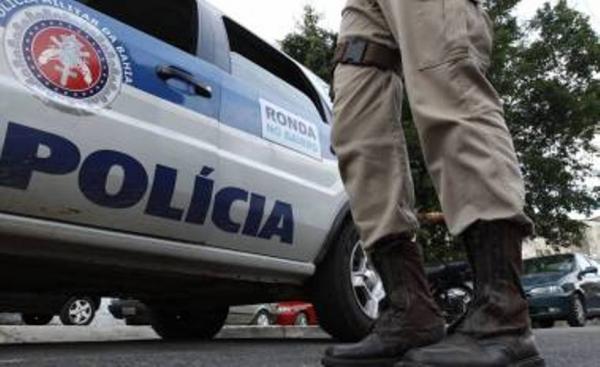 Dupla de assaltantes rouba vários celulares na manhã desta sexta (6), em Santo Estevão