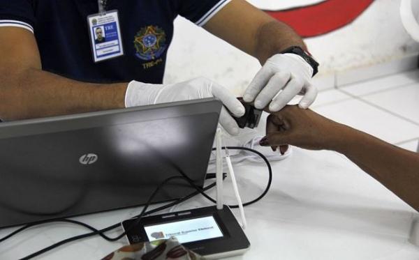 Biometria identifica uma pessoa com 52 títulos de eleitor, identidades e CPFs