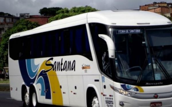 Bandidos saqueiam cerca de 30 passageiros de ônibus