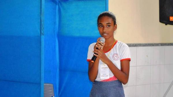 Aluna da Escola Neuza Maria vence o Soletrando em Santo Estevão