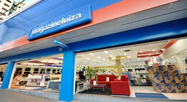 Homens assaltam loja da Magazine Luíza em Santo Estevão