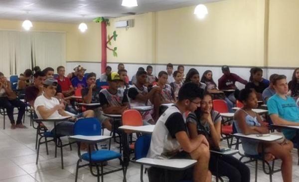 Abertas inscrições para curso de redação em Santo Estevão