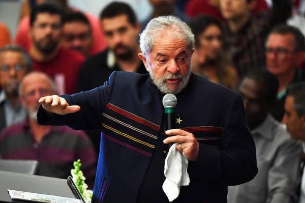 Recibos de aluguel de Lula não são materialmente falsos, diz Moro