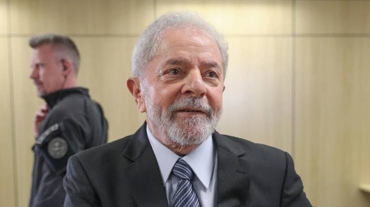 Image result for Juiz determina saída de Lula da prisão após decisão do STF